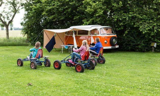 Vacances en camping à Guérande : Comment équiper votre voiture pour le voyage ?