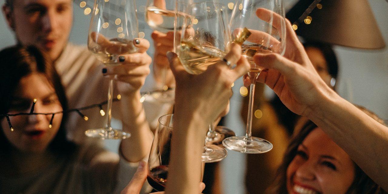 Comment Organiser le Repas de Fin d'Année de Son Entreprise en Guérande ?